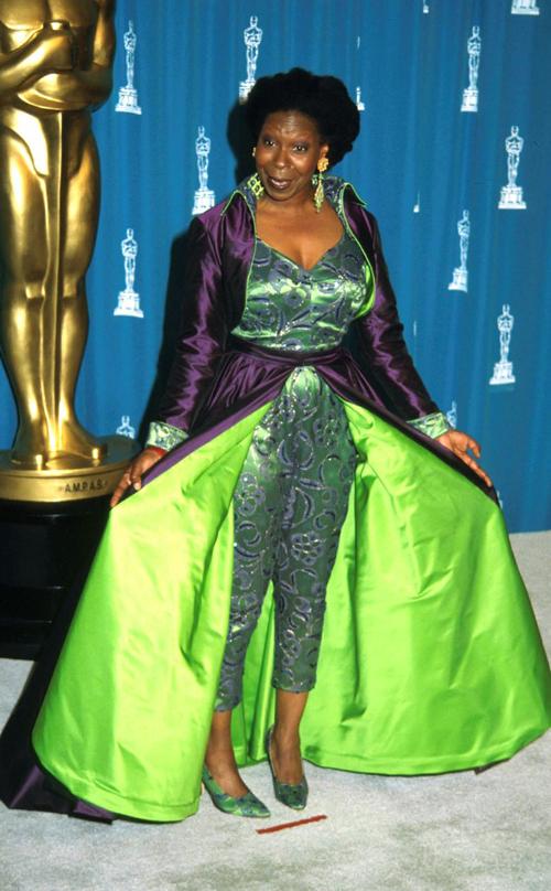 20 bộ váy gây tranh cãi trên thảm đỏ lịch sử Oscar - 15