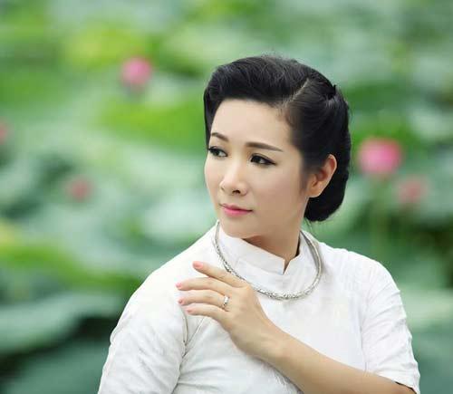 Nghệ sĩ Thanh Thanh Hiền là một trong những nghệ sĩ cải lương hiếm hoi tại miền Bắc