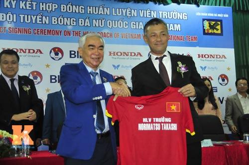 HLV Nhật Bản muốn nâng tầm đội tuyển nữ Việt Nam - 1