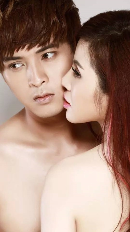 """Hồ Quang Hiếu gây sốt vì ảnh nóng bỏng với """"bạn gái"""" - 1"""