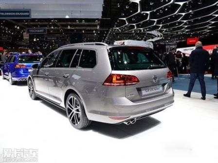 Cận cảnh phiên bản xe du lịch Volkswagen Golf GTD mới - 2