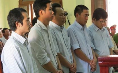 Đã có lịch xét xử vụ 5 công an đánh chết người ở Phú Yên - 1
