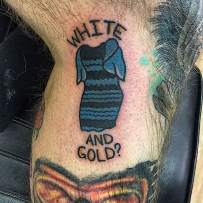 Chàng trai xăm chiếc váy xanh-đen ở chân vì bị ám ảnh - 1