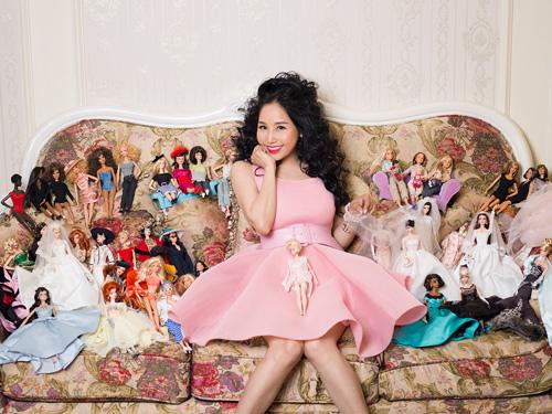 39 tuổi vẫn mê sưu tập và mặc đồ barbie - 1