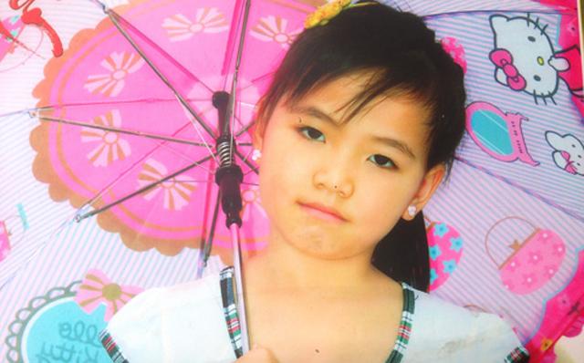 Bé gái 8 tuổi mất tích bí ẩn sau giờ tan trường - 1