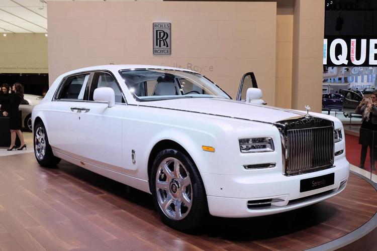 Hãng xe siêu sang từ Anh Quốc vừa trình làng chiếc Rolls-Royce Phantom Serenity tại triển lãm Geneva 2015.