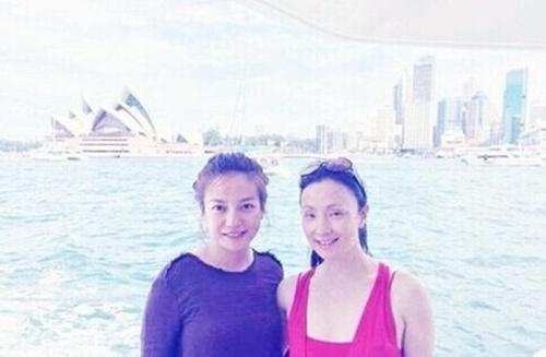 Vợ chồng Triệu Vy du lịch Úc bằng phi cơ riêng - 4