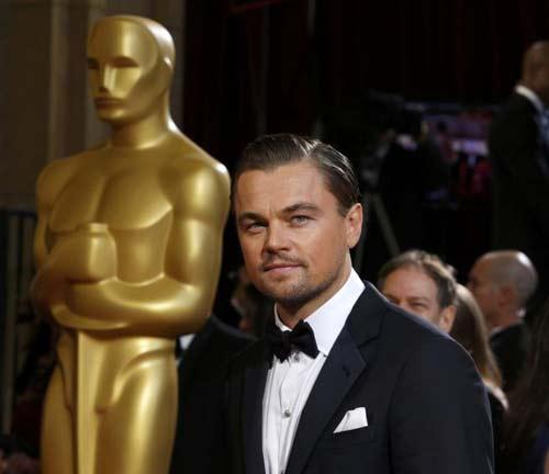 Tài tử Leonardo DiCaprio đóng 24 vai cùng lúc - 2