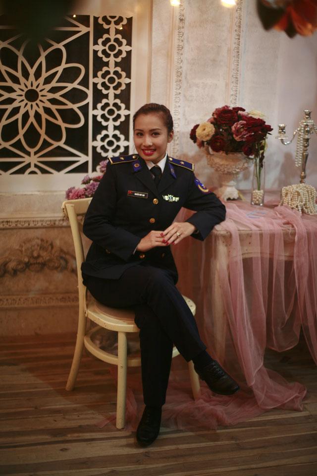 Gặp gỡ nữ thiếu úy xinh đẹp của Cảnh sát biển VN - 1