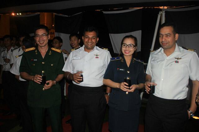 Gặp gỡ nữ thiếu úy xinh đẹp của Cảnh sát biển VN - 6