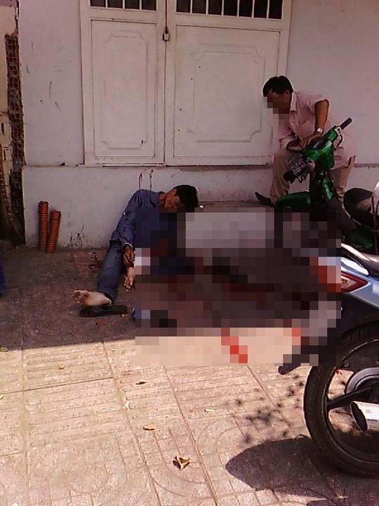 Nam thanh niên cắt cổ tự tử giữa phố - 1