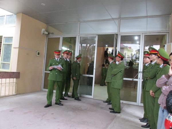 """Xét xử Lý Nguyễn Chung: Phóng viên bị """"cấm"""" vào phòng xử - 1"""