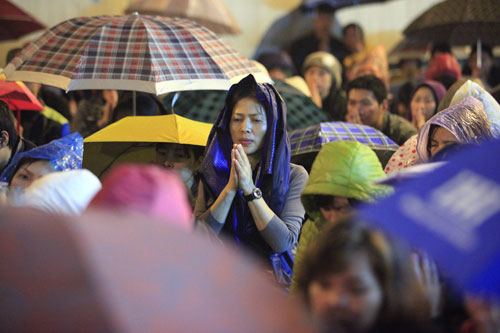 """""""Biển người"""" dầm mưa làm lễ giải sao Thái Bạch - 6"""