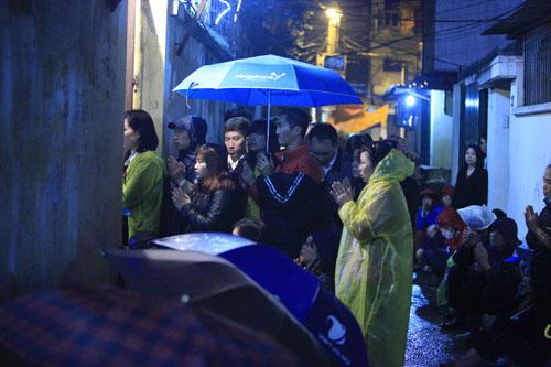 """""""Biển người"""" dầm mưa làm lễ giải sao Thái Bạch - 11"""