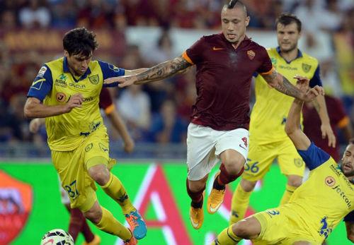 Trước V26 Serie A: Gồng mình giữ tốp 3 - 2