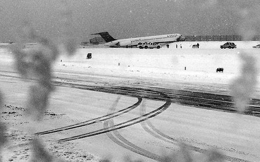 """Ảnh: Miền đông nước Mỹ """"oằn mình"""" chống bão tuyết - 1"""