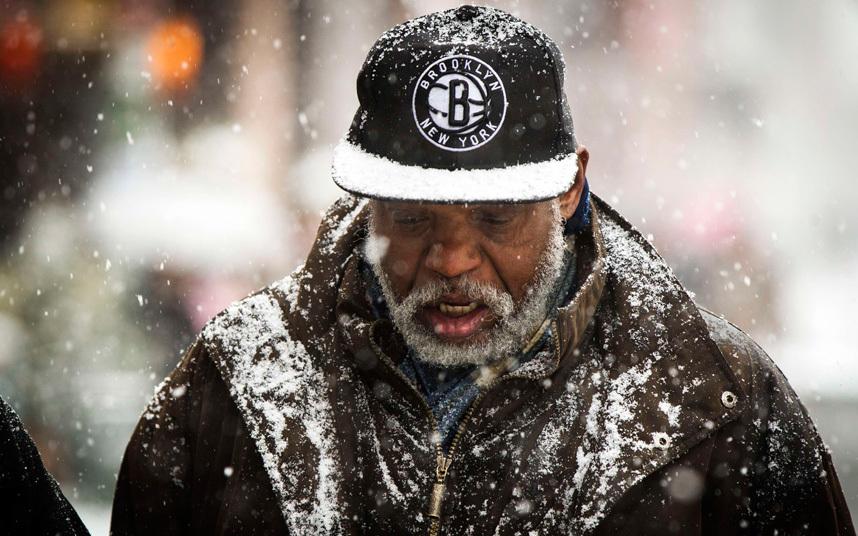 """Ảnh: Miền đông nước Mỹ """"oằn mình"""" chống bão tuyết - 9"""