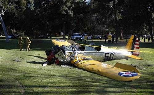 Trước ngày tưởng niệm MH370, Harrison Ford bị tai nạn máy bay - 3