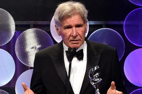 Trước ngày tưởng niệm MH370, Harrison Ford bị tai nạn máy bay - 4