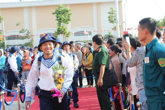 TP.HCM: Cán bộ, công chức cùng lên đường nhập ngũ - 5