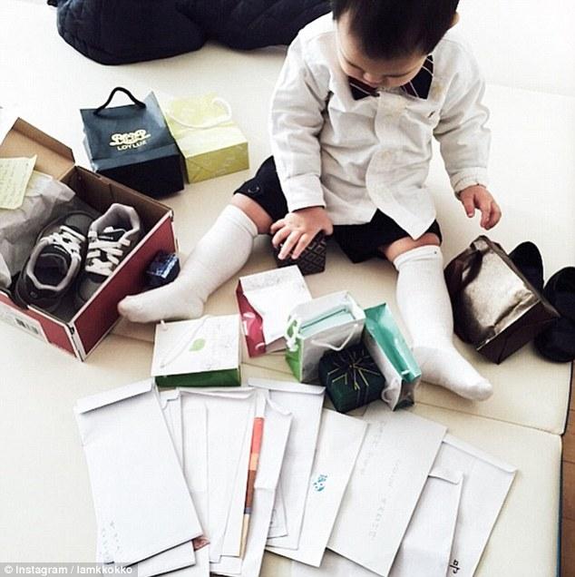 Bố mẹ lợi dụng con trẻ để khoe mẽ sự giàu có - 6