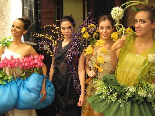 Lạ đời nghề làm hoa hậu giả ở Trung Quốc - 3