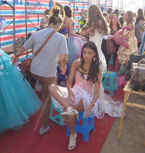 Lạ đời nghề làm hoa hậu giả ở Trung Quốc - 8