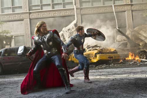 """Trailer """"Avenger 2"""" hé lộ kẻ thù của biệt đội siêu anh hùng - 5"""