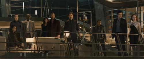 """Trailer """"Avenger 2"""" hé lộ kẻ thù của biệt đội siêu anh hùng - 4"""