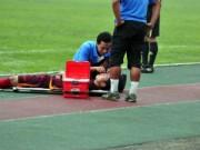 """""""Trung vệ thép"""" của U19 dính chấn thương nặng ở U23 VN"""