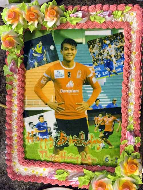 """U23 VN mừng sinh nhật """"người khổng lồ"""" ở hàng thủ - 2"""