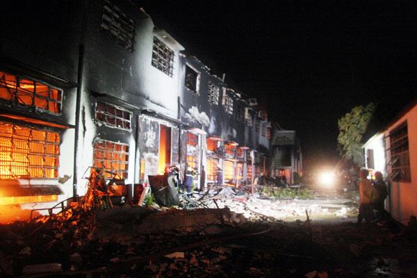 Cháy dữ dội tại công ty sản xuất giày thể thao - 3
