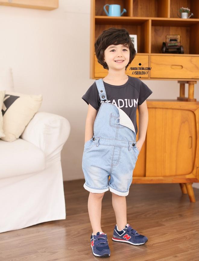 """Nhóc tì 4 tuổi hút fan châu Á vì quá """"bảnh"""" - 4"""