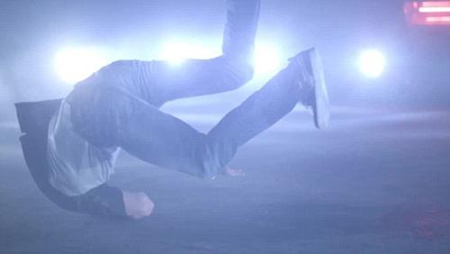 CR7 trổ tài nhảy theo phong cách Micheal Jackson - 2
