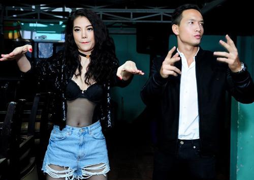 """Top trang phục gây """"ồn ào"""" của người đẹp Việt - 8"""