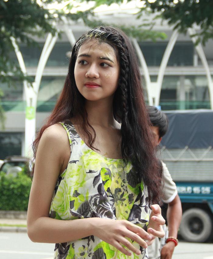 Cháu gái Trang Nhung gây bất ngờ cho cả đoàn phim - 3