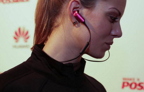 Dây đeo cổ thông minh kiêm tai nghe độc đáo - 1