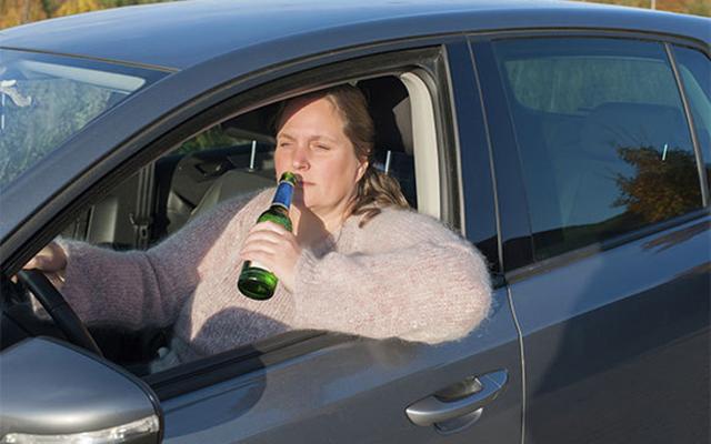 Những luật lệ lái xe kỳ quặc nhất thế giới - 4