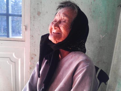 """Cụ bà 75 năm làm """"tiều phu"""" - 1"""