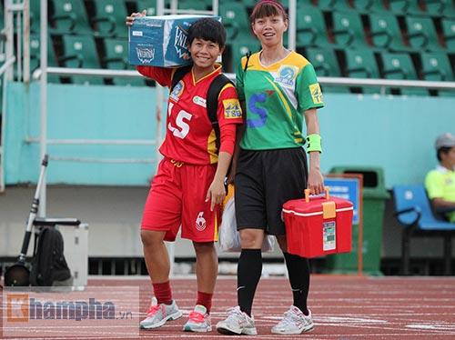 Ngày 8/3: Cầu thủ nữ VN được thưởng 200.000 đồng - 4