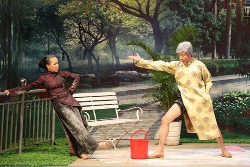 Trấn Thành bất ngờ làm ôsin cho Việt Hương - 4