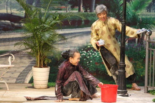 Trấn Thành bất ngờ làm ôsin cho Việt Hương - 5
