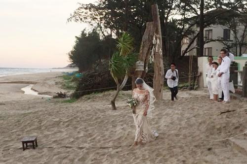 Phương Vy bí mật tổ chức hôn lễ trên bãi biển - 1