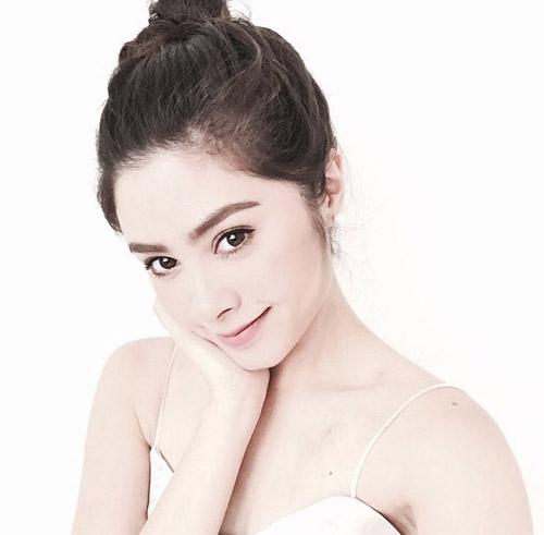 Chị em sinh đôi Thái Lan gây sốt vì vẻ đẹp ngọt ngào - 5