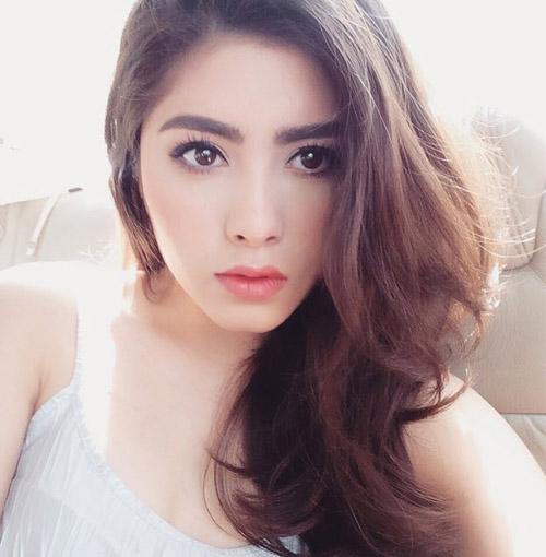 Chị em sinh đôi Thái Lan gây sốt vì vẻ đẹp ngọt ngào - 6