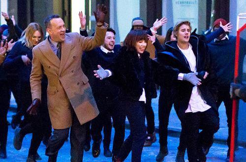 Tom Hanks và Justin Bieber cùng đóng MV ca nhạc - 2