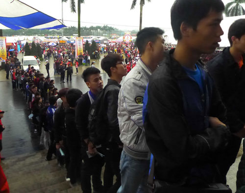 Hàng vạn người hiến máu trong mưa rét Hà Nội - 5