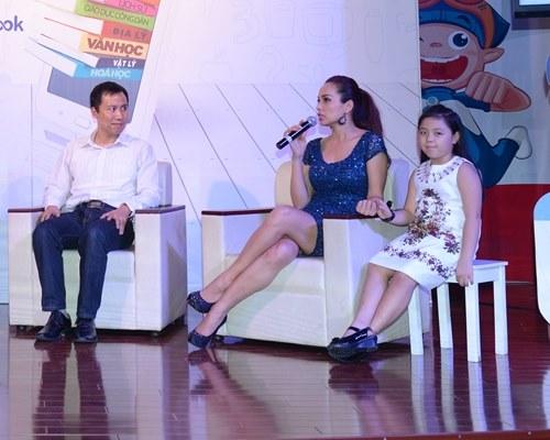Con gái Thúy Hạnh rụt rè khi dự sự kiện cùng mẹ - 6