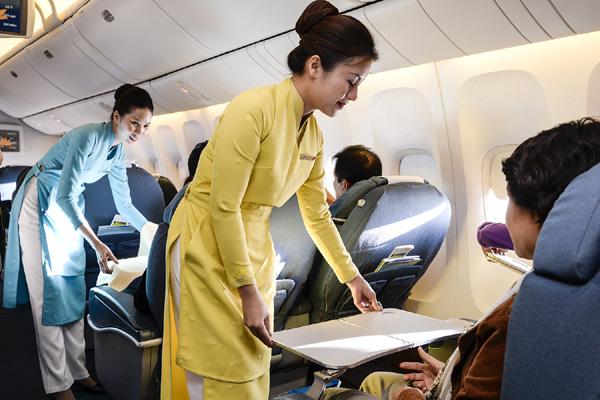 Vietnam Airlines thử nghiệm đồng phục mới - 1