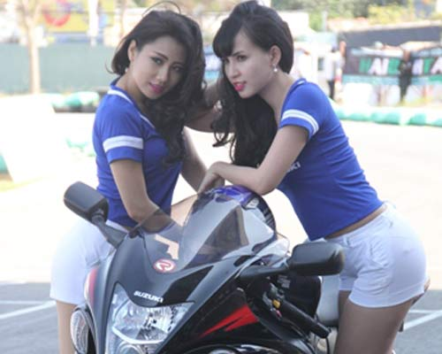 Chật ních khán đài xem giải đua moto Việt đỉnh cao - 1